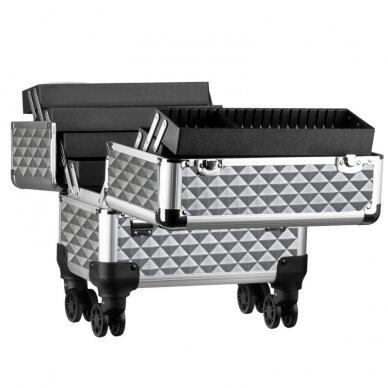 Elegantiškas manikiūro priemonių lagaminas SYIS, sidabrinis 3