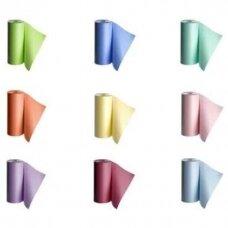Neperšlampama servetėlė su vandeniui atspariu plastiko sluoksniu 48cmx60cm, ritinėlyje 80 vnt.
